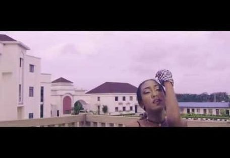 VIDEO: Geeboyy – De Dance Ft. Timaya