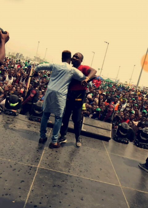 VIDEO: Olamide And Davido's Performance At The Lagos City Marathon