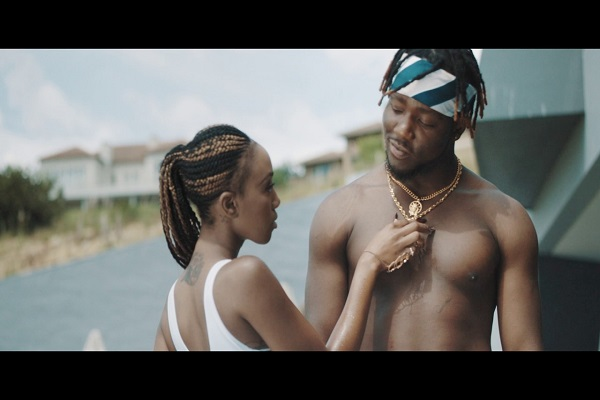 VIDEO: Zoro – Bianca